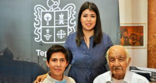 Foto: Ganadores del Premio con Luis Gutiérrez Medrano