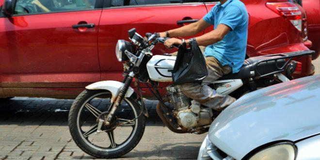 Foto: Vehículos en el centro de Tepa   Kiosco Informativo